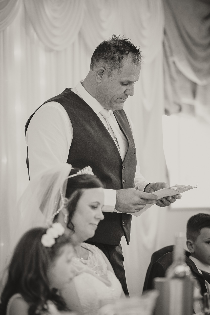 ramada-resort-grantham-wedding-photography-Jo-Shaun